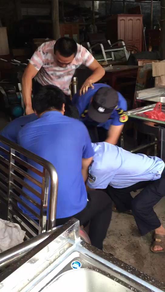定安新竹镇城管中队粗暴执法两名执法人员被停职