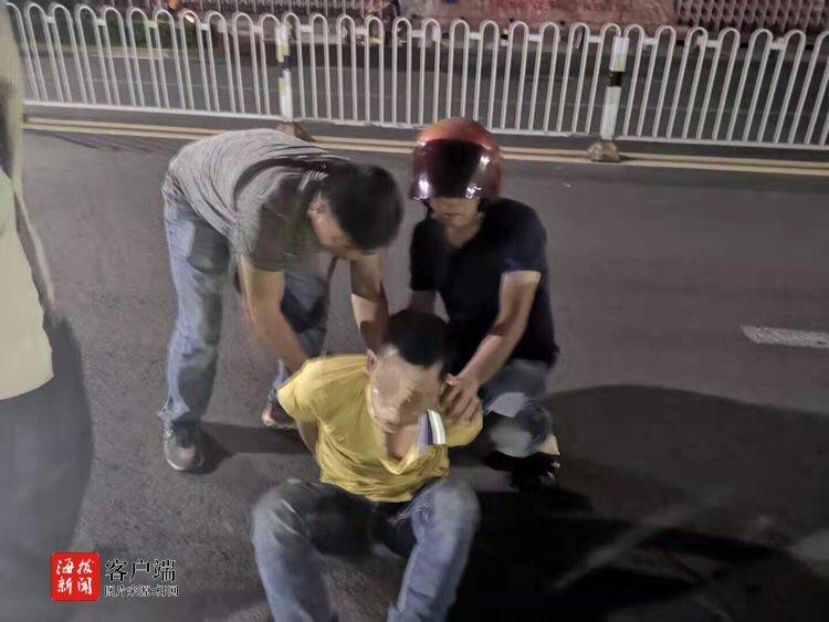 """打击""""两抢一盗""""!亚博体育手机app下载秀英警方抓获5名嫌疑人"""